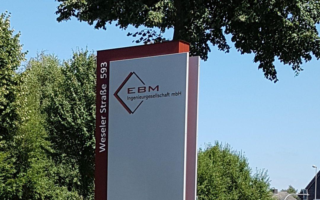 Neue EBM-Werbesäule